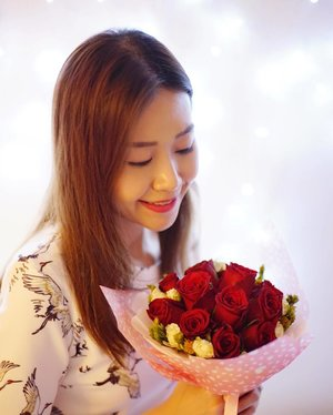 9 more days to Valentine's Day and if you haven't purchase flowers for your girl then here's some good deals for you! @candiiflorals vday floral packages are going at $15/$35/$75 respectively and customization are also available! Order here @ http://bit.ly/valentinesdayflorals and use my code: claireaudreylim to get 5% off till 7 Feb! :) #sp #clozette #fashion #fashiondiaries #fashionblogger #ootd #ootdsg #explore #outfit #girl #igdaily #igers #sgblogger #today #portrait #vscocam #photography #travel #sonyimages #lookbook #art #mood #pretty #lights #flowers #vday #flowers