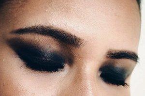 Smokey Black . . . . . . . . #bbloggers #instamakeup #instabeauty #sgbeautyblog #sgmakeup #makeupaddict #makeupface #makeupjunkie #slave2beauty #theblogginggals #thegirlgang #clozette #instasgmakeup #instasgbeauty #makeuplook #makeupobsessed #beatthatface #cakeface #wakeupandmakeup #beautyblogger #makeupblogger #fiercesociety #sgigbeauty #sgigmakeup