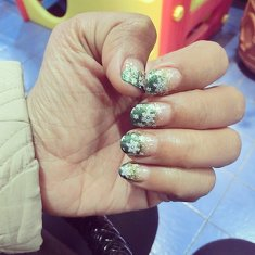 #latepost  surprised by oldfriend stop by the nailart and spa, treat me this christmas edition nailart :) love it so much!
