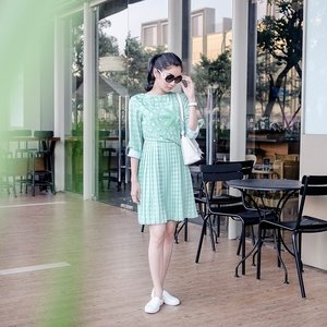 Today's #ootd is a green dress by @bateeqshop It's a yay or nay? Me? Totally YAY! 🍃 #bateeq #bateeqshop #clozetteid