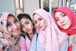 Bersama hijabers hitzzz ibukota 😘💕💕 (nanti aku nyusul kalian yaa 😇)•#fashionpeople #hijabers #clozetteid #clozetteambassador