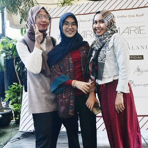With them, coolest fashun designers 😎.✓editionwithbestie.....#friends #friendship #ClozetteID#fashiondesigner #hijab#hijabers #photooftheday #picoftheday #instagood#instalike