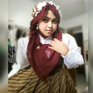 🌸🎀🌸 August 1st, 2015 --- Starting this new month with creating Lolita #headdress and try #dressup in #Lolitakei look with my #batik #gown and #headscarf . This is it ... my #kawaii #modestfashion #coveredstyle #lolitastyle with #scarf 🌸🎀💖 #ClozetteID #HijabIndonesia #hijabstyle #Harajukustyle #TokyoStreetFashion #Indonesian #OOTD #fashion #style #instafashion #instabeauty #victorian #fashionheritage #scarfstyle #modesty #vintagestyle #vintagefashion #muslimahindonesia #batikindonesia