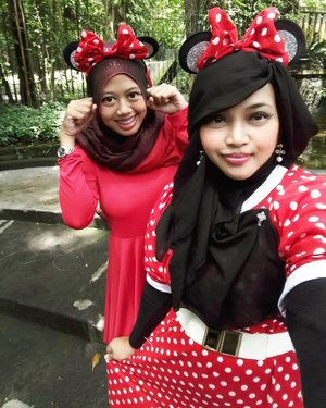 Thu, October 27th, 2016 ---- #MinnieMouse #sisters at #Beukenhof #Resto @ullensentalu #ullensentalu #Yogyakarta .Wearing #polkadots #retrostyle , enjoy the #Jazzy music, #Europianculinary and the #freshair of #Kaliurang 👒👠👜 #clozetteID @clozetteid #HOOTD #ootd #fashion #style #foodtraveler #instafashion #instafood #modestgyaru #modestwear #modestfashion #stylishmodesty #fashiongrammer #foodandfashion #fashiongrammer #inspiredbydisney #stylishmodesty