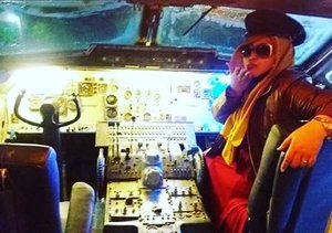 FLASHBACK: Friday, October 28th, 2016 ---- .... Let's fly away, Darlink! No worry we are match from heaven , you are #TheCaptain and I am your #copilot . Always beside you 😉✈❤ #thecaptainurbanlounge @thecaptainjogja #thecaptainmoment #pilot #copilot #aeroplane #leavingonajetplane #Clozetteid @clozetteid #hootd #fashion #style #retrostyle #Americanstyle #cockpit #cockpitview #cockpitcrew