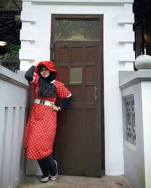 Thu, October 27th, 2016 ---- #LadyinRed at #Beukenhof #Resto @ullensentalu #ullensentalu #Yogyakarta .Wearing #polkadots #retrostyle , enjoy the #Jazzy music, #Europianculinary and the #freshair of #Kaliurang 👒👠👜 #clozetteID @clozetteid #HOOTD #ootd #fashion #style #foodhunter #instafashion #instafood #modestgyaru #modestwear #modestfashion #stylishmodesty #fashiongrammer #foodandfashion #fashiongrammer