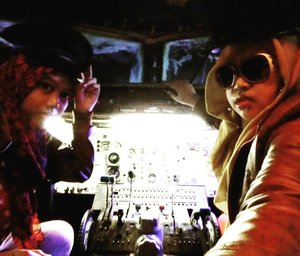 Friday, October 28th, 2016 ---- 2 #Beautiful #Captain are ready to #takeoff ! #SisterinLaw in.... #Action ! 😉✈❤ #azeeeeekk . #thecaptainurbanlounge @thecaptainjogja #thecaptainmoment #aeroplane #clozetteID #hootd #fashion #style #American #retrostyle #leatherjacket  #pilot #copilot #fly #leavingonajetplane