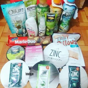 Yeayyy.. buat yang penasaran ama isi hampers dari @lifullhadiah 😆😆😆 please kindly read the post below 😍😍😍... just click the link in my bio or copy and paste the link below  http://www.funniestling.com/2017/08/unboxing-hampers-dari-lifull-produk.html?m=1 Thank you very much 😘😘😘 #updateblog#newupdate#hampers#hadiah#hadiahgratis#lifull#lifullhadiah#lifullproduk#lifullprodukindonesia#lifullid#lifullhadiahsnack#lifullhadiahbeauty#indonesia#ifb#blogger#bloggercrony#bloggerperempuan#bperempuan#bpnetwork#clozette#clozetteid#beauty#lifestyle#snack#beverages#like#likeforlike#funniestling
