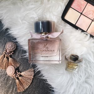 Introducing the combination of fruits and flower with a touch of sun light hits the garden for the first time in the morning, My Burberry Blush 🌹#myburberryblush #burberryxbloggermafia #luxasiaxbloggermafia