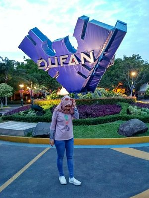 Throwback my childhood. My favorite destination #Dufan. Top by @myrubylicious #clozzete # #holiday #Dufan #wonderfulIndonesia #HOTD #casual