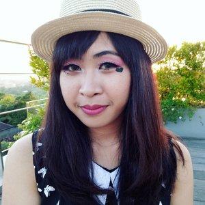 Bali Beauty Blogger Playful make up collaboration sponsored by @mizzucosmetics ❤  I'm using Mizzu Gradical Eyeshadow Ma Cherie and Mizzu Eyelash the Iconic Aretha! Click link on my profile for details 😆  #BBBxMizzuCosmetics . . . . . #balibeautyblogger #mizzu #mizzucosmetics #Eyeshadow #Eyelashes #mizzugradicaleyeshadow #mizzueyelash #review #beautyreview #pinkeyeshadow #blogpost #bloggerperempuan #emakblogger #baliblogger #beautyblogger #lifestyleblogger #blogger #indonesianblogger #bloggerlife #clozetteid