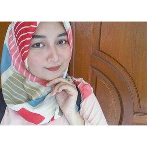 (3/3) Yeah. #inspirationlovemakeup . #blogger #bloggerperempuan #bbloggerindo #bloggerbabes #clozetteID #femaledaily #femaledailynetwork #fdbeauty #indonesianbeautyblogger #beauty #blogger #drugstore #makeup #lover #sevenrizkaa #blog #instabeauty #beautyblog #beautyindo #sevenrizkaa #blogspot #beauty #review #indonesianbeautyblogger #eyeshadow