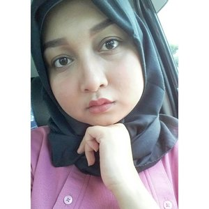 Selamat bermalam-minggu. Saya bermalam minggu di perjalanan Bandung - Jakarta, semoga menyenangkan ya.  Kalau kamu, ke mana? . . . . . . .#instabeauty #MOTD #makeupoftheday  #elzattahijab #sayapakaielzatta #instagram #clozetteid #fdbeauty #makeup #beauty #hijab #blogger #bloggerperempuan #bloglovin #blogilates #daukyfriends