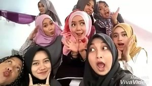 Sumedang!  #elzatta #elzattahijab #sayapakaielzatta #worklife #bloggerbabes #bloggerperempuan #instagram #instadaily #latepost #wefie #clozetteid #fdbeauty #hijab #hijabers #hijabfashion #hijabootdindo