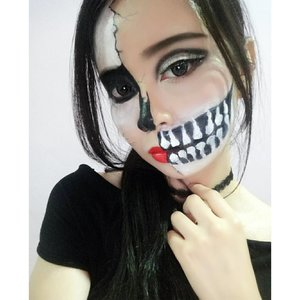 He-llo!! 👻👻.I'm joining #ForeverTeamTrick for @makeupforeverid Halloween competition! 🎃.I make this makeup because in one side it looks glamour, but creepy right..? And i love product from @makeupforeverid soooooo much!!.I'm a newbie at face painting, and I don't have much face painting gears.. I hope I can get new face painting gears, especially from @makeupforeverid! 💋💋 #makeupforeverID #makeupfoverer..#halloweenmakeup #halloweenmood #halloween#makeupporn #BloggerMafia #beautylover#beautyaddict #bvloggerid #beautynesiaID#beautynesiamember#instabeauty #indobeautygram#instamakeup #l4l#beautygram #latepost #featuremuas#treatortrick