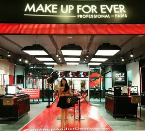 At @makeupforeverid first concept store in Indonesia at Gandaria City (Ground Floor #25) Make sure you visit them guys!! 😽😽 . . #makeupforevergandariacity #makeupaddictdestination #l4l #makeupporn #makeupforeverID