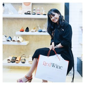 So happy to attending Grand Opening Redwine 7th Store at Cibinong City Mall. Discount up to 50% I've got 3 items just around 500.000❤  #redwineshoes #clozetteid #clozetteidreview #RedWinexClozetteIDReview