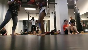 Muay Thai Class at @corestudiojkt Do you wanna to try this one?.#guavapass #guava18 #clozetteid #cyndaolahraga