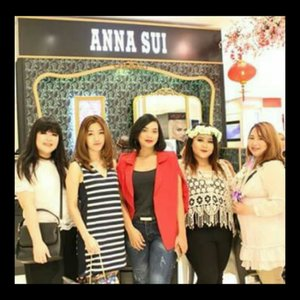Anna Sui New Counter Opening 🦄 Mall Kelapa Gading 2, SOGO 1st floor.. It wasn't a brand new counter but the concept was new and this is the very first store that applied the fairytale themed store.. The cutest store ever! With lots of flowers, rainbow colors, unicorns, carousell and every playful stuffs! You can play with lots of Anna Sui's product which is not only good in performance but also got the best packaging ever! They also just launched their matte lipstick with flower embossed on it! You can order it and it will be sent to you by the end of february.. Super cute! 📷: @makeupdhe . . . . . #annasui #annasuicosmetics #fairytale #highend #sogo #mallkelapagading #beauty #makeup #beautyblogger #beautyinfluencer #blogger #fashion #clozetteID #Beautiesquad #bvloggerid #beautynesiamember