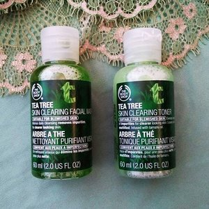 Hoping these two will make a new season for my skin! 🙏😍 Btw I'm using 'vivid' filter from #mi4i camera and the result is quite good (with some brightness adjustments)😙😝 #tbs #thebodyshop #ClozetteID #teatree #travelsize #BeautyandFashion #bblogger #facialwash #toner