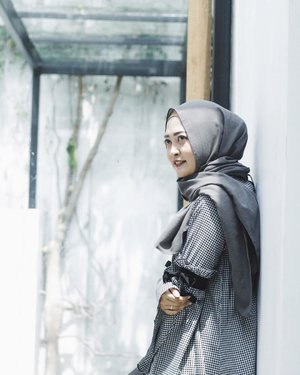 Sunkissed photograph ✨✨✨ Captured by @sahidbwn #vsco #vscocam #ootd #hijabootd #clozetteid