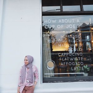 Currently in love with dusty colour. What do you think?#vsco #vscocam #ootd #hijabootd #clozetteid