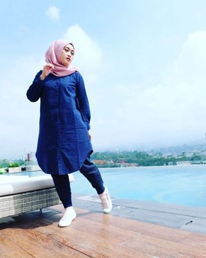 I'm just human, I have weaknesses, I make mistakes and I experience sadness; But I learn from all these things to make me a better person. ☺  #clozetteid #ootd #hijabstyle #hijabtraveller #hijabootdindo #hijabfashion #stylediary #hotd #quoteoftheday