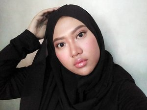 Hello 👋  On my face 👇👇 .precision liquid liner and mattreal skin natural mouse (1) from @lakmemakeup .lip cushion (mauve) and primer pore refining anti-shine base from @catriceindonesia .pencil eyebrow from @eminacosmetics  #clozetteid #clozette #motd #eminacosmetics #lakme #catrice #jakarta #indonesia #germany #india #another #beautyblogger #beautytoday #instadailly #instatoday #bblogger #bvlogger #bloggerindonesia #bloggerjakarta #black #localproduct #tapforlike #thankyou #hello #makeup