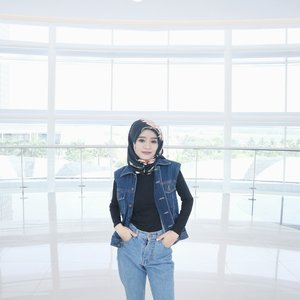 #SELFIETODAY #ootd #denim #90's #hijab