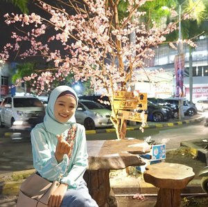 Mini Seoul at Tasikmalaya 💞 ... #ootdhijab #ootdfashion #gangnamcafe #food #clozetteid