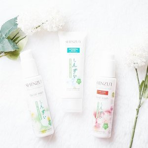 Washing your face with the right product is very essential to avoid any skin problem. Shinzu'i Skin Lightening Facial Wash consists of three types to suit your skin type.You can find out more on my blog:http://bit.ly/ShinzuiFacialWash..#clozetteid #kawaiibeautyjapan #shinzui #facialwash #cleansingfoam #beautybloggerid #flatlay