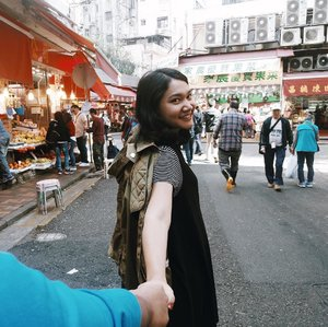 A little throwback won't hurt. ait? #followme #followmeto--This one from almost a year ago, december 2016 in Hongkong. Truth to be told, I don't know at that time that I actually already pregnant with Nara when we spent vacay there. It's the earliest week, probably around 3/4 weeks tiny seeds in my tummy. And now he's almost 4 months old this December. Time really walking fast.......#instadaily #livethelittlethings #abmhappylife #petitejoys #thatsdarling #darlingmovement #pursuepretty #thehappynow #thegirlgang #stylediaries #wiw #currentlywearing #ggrep #clozetteid #hongkong