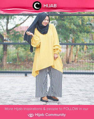 Yellow x stripes? She's wearing a tunic with ruffle sleeves. Simple and sweet. Simak inspirasi gaya Hijab dari para Clozetters hari ini di Hijab Community. Image shared by Clozette Ambassador: @mellarisya. Yuk, share juga gaya hijab andalan kamu