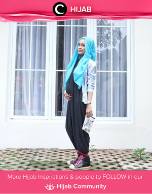 Jumpsuit, blazer, and sneakers. Perfect combination for stylish pregnancy. Simak inspirasi gaya Hijab dari para Clozetters hari ini di Hijab Community. Image shared by Star Clozetter: @saskilya. Yuk, share juga gaya hijab andalan kamu