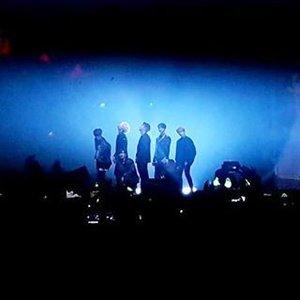 Jackson, JB, Mark, Bam Bam, Jinyoung, Youngjae & Yugyeom on stage. Ada video-nya juga lho, di Insta Stories kami ;). @mecimapro#ClozetteID #GOT7Turbulence #samsungjprime #JPrimexGOT7 #GOT7inJakarta #GOT7inJKT