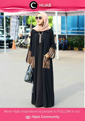 Wearing black and gold abaya during Ramadan. Easy to get classy and elegance look. Simak inspirasi gaya Hijab dari para Clozetters hari ini di Hijab Community. Image shared by Star Clozetter: @mirasahid. Yuk, share juga gaya hijab andalan kamu