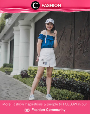 Off shoulder top, zipper skirt, cap, and sneakers. Get ready to more casual and fun for today! Simak Fashion Update ala clozetters lainnya hari ini di Fashion Community. Image shared by Clozette Ambassador: @katherin. Yuk, share outfit favorit kamu bersama Clozette.