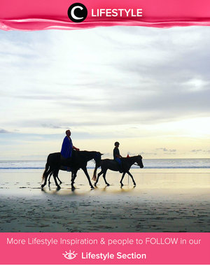 Fairytale. Feeling completed to see horse, beach, silhouette, and beautiful sunset. Simak Lifestyle Updates ala clozetters lainnya hari ini di Lifestyle Section. Image shared by Clozette Ambassador: @leonisecret. Yuk, share momen favorit kamu bersama Clozette.