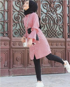 Striped pants and ruffle blouses hijab outfits – Just Trendy Girls