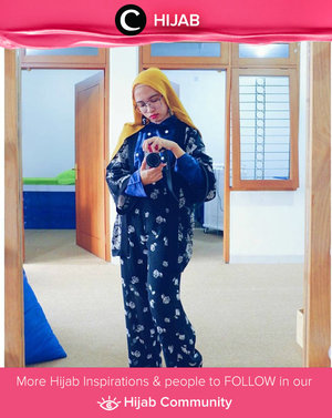 Dolled up with floral and pompom. Simak inspirasi gaya Hijab dari para Clozetters hari ini di Hijab Community. Image shared by Star Clozetter: @putmaharani. Yuk, share juga gaya hijab andalan kamu