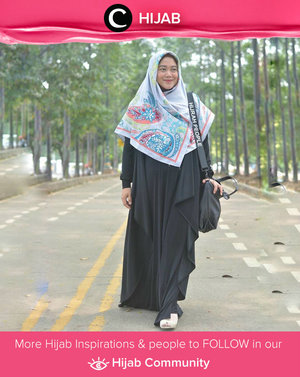 Added a colorful hijab on your black dress. Simak inspirasi gaya Hijab dari para Clozetters hari ini di Hijab Community. Image shared by Star Clozetter: @lisnaardhani. Yuk, share juga gaya hijab andalan kamu