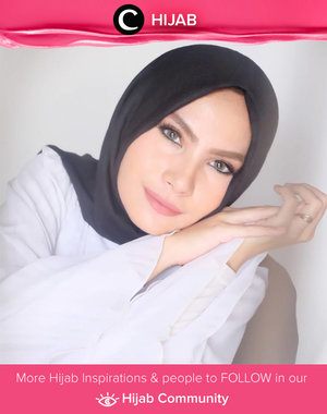 The world reflects back to you how much you value yourself. Once you know your true worth, no one can ever make you feel worthless. Simak inspirasi gaya Hijab dari para Clozetters hari ini di Hijab Community. Image shared by Star Clozetter @sunsetdazesha. Yuk, share juga gaya hijab andalan kamu