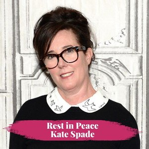 Rest in peace, Kate Spade who found dead in her apartment last Tuesday. Dilansir, fashion designer berusia 55 tahun ini meninggal akibat bunuh diri. Deep condolence for her family. 📸 Andrew Toth/Getty Image via Forbes#clozetteid