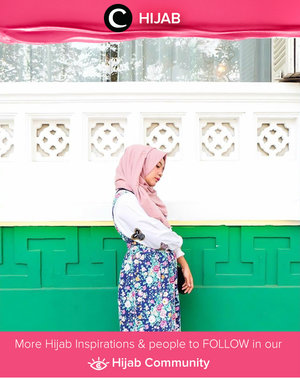 Gardenia combo outfits with floral vintage pinafore and butterflies embroidered shirt. Simak inspirasi gaya Hijab dari para Clozetters hari ini di Hijab Community. Image shared by Clozette Ambassador: @mellarisya. Yuk, share juga gaya hijab andalan kamu