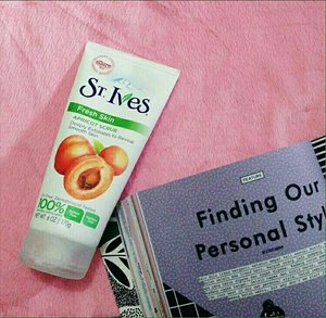 """[Review Time] .................................................................... ST.Ives Fresh Skin Apricot Scrub .................................................................... Hello Talkers!  Hope you are enjoying your weekend! Today, I am reviewing a face scrub cleanser from one of my favorite brands – St. Ives. This is the St. Ives Fresh Skin Apricot Scrub. From America's #1 Scrub Brand, this award winning Apricot Scrub with 100% Natural Derived Exfoliants deep cleans, instantly leaving skin smooth and glowing. At the first glance, you may feel that the exfoliating particles may be too rough or harsh, but the scrub does an excellent job of exfoliating. I feel like a dull top layer has been removed and it really brightens up the face. The cream (with apricot extract) that binds these particles together is quite hydrating and leaves the skin feeling so soft! I am really surprised and happy with the results! The directions specify that this product should be used 3 to 4 times a week for """"best results!"""" But I feel that might be too much, even for my oily skin! I use it twice a week. On alternate days, I use one of the other moderate exfoliating scrubs. This works well for me, keeping my skin looking fresh and bright. But this may be a bit harsh for people with sensitive skin. As with all St. Ives cleansers, this apricot scrub too is paraben free and oil free and the exfoliants used are 100% naturally derived. 💕Pros of St. Ives Fresh Skin Apricot Scrub:  Exfoliates skin well without drying it out. Brightens up the face with just one use. Easy to use, hygienic and travel-friendly packaging. Paraben free. Oil free and dermatologically tested. Leaves skin well moisturized and smooth. 100 % naturally derived exfoliants. 💔Cons of St. Ives Fresh Skin Apricot Scrub:  May not suit people with sensitive skin.  Would I Recommend St. Ives Fresh Skin Apricot Scrub? Definitely, this is a great option for people with oily skin. You must try it!  Rate 💋💋💋💋 Price Rp 125.000 Y"""