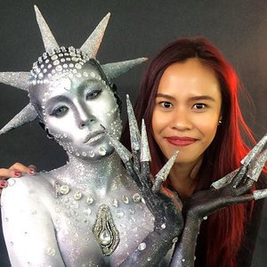 From behind the scene of my Final Fantasy exam last week 😊 Inspired by alien and got transparent diamond theme, here I come with an idea to create my alien goddess.  Masih nggak percaya sekolahnya selesai 😂 but its time to spread my wings, lagi mikir mau kolaborasi sama temen2 di Indo.. so kalau ada tertarik (gotografer ataupun sesama mua) untuk bikin project bareng, pls feel free untuk contact aku ya.. by email di : hello@catharinazieren.com atau Line Id : mrs_cz 😉  #indonesianlivinginbangkok #starclozetter #clozetteid #makeup #fantasymakeup #muaindonesia #makeupartistjakarta #makeupartistbasedinbangkok #photography #tfp #photographerindonesia #makeup #fashionmakeup #editorial #femina #jakarta #indonesia #scandinavianmakeupacademy