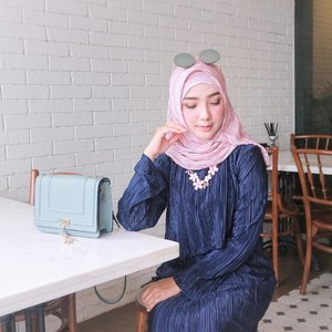 "There's something wrong with your character and attitude if ""opportunity"" controls your loyalty and honesty.. ✔️ . . . . . . #ayuindriatiXvanilla #OOTDayuindriati #hijab #fashion #hijabfashion #hijabstyle #clozette #clozetteid #pleats #vanillahijab #ayuindriati"
