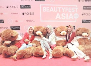 Because you're never too old for a teddy bear or more 🐻💕 .....#OOTDayuindriati #hijab #friends #girls #hijabstyle #hijabfashion #clozette #clozetteid #beauty #fashion #blogger #vlogger #youtube #teddybear #BeautyFestAsia #BeautyFestAsia2017 #ayinevent #ayuindriati