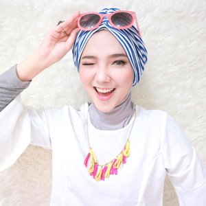 Really need this @abouther.id turban for vacation / holiday! *wink* 👳🏻‍♀️🌊🌤🌈💦 . . . . #clozetteid #turban #hijab #fashion #hijabfashion