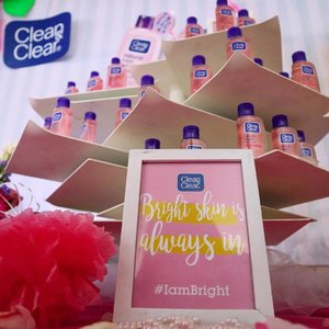 Hai! Hari ini aku dan para writer dari Cerita-Kita lainnya lagi ada di acara launching product terbarunya Clean & Clear yaitu Natural Bright 💕  @cleanandclearid #IAMBRIGHT #ClozetteID #BeautyBlogger